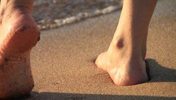 barefoot-87879_960_720