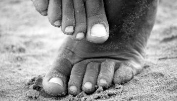 feet-195061_960_720
